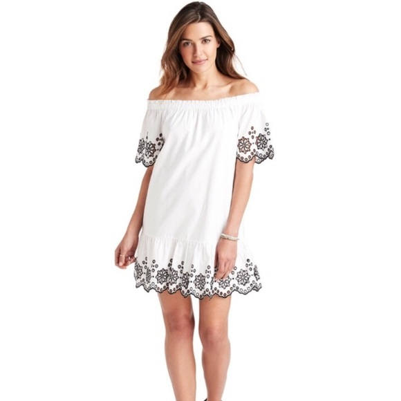 Vineyard Vines Dresses & Skirts - Vineyard Vines Eyelet Off The Shoulder Dress NWT